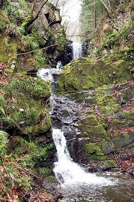 檜原村の九頭龍の滝